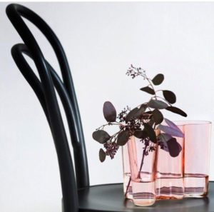 ваза Аалто с цветком